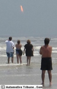spectators-at-new-smyrna-beach